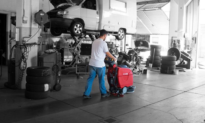 Autolaveuse entretien atelier voiture